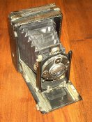 454px-old-field-camera.jpg